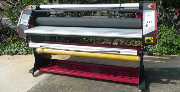 輸送ベルト付き小型ロールラミネーター